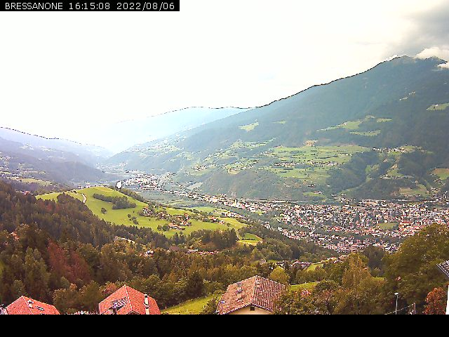 http://www.pezzei.info/webcam/eisacktal-brixen-webcam.jpg